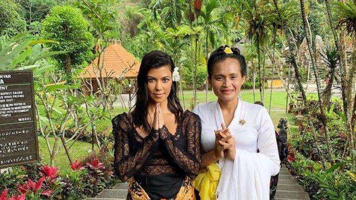 Kardashian Bersaudara Liburan ke Bali: Nikmati Suasana Pantai hingga Kunjungi Pasar Tradisional