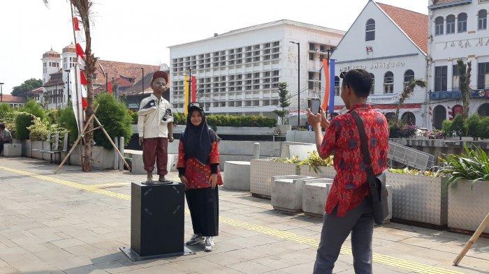 Spot Selfie Favorit di Kota Tua Jakarta: Beragam Patung Unik di Kawasan Kali Besar
