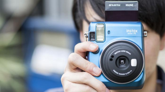Viral Perempuan Jadi Fotografer Keliling di Tawangmangu, Hasil Jepretannya Dibayar Rp 3.000