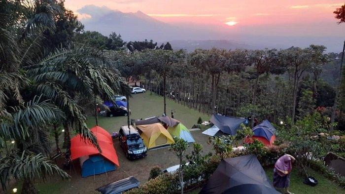 Kampoeng Awan dan 9 Spot Camping yang Cocok untuk Wisata Gunung di Bogor
