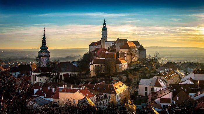 32 Fakta Unik Republik Ceko, Punya Kota Paling Tampan di Eropa hingga Hobi Berburu Jamur