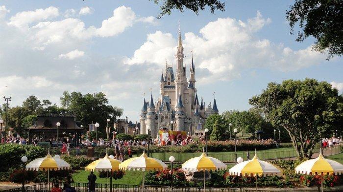 Kastil Disneyland