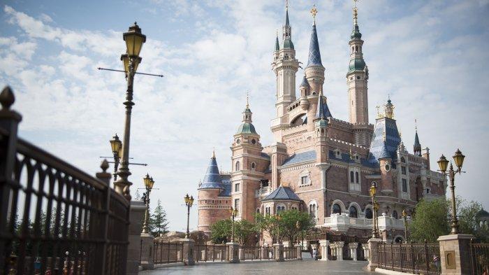 Bukan Bualan! 7 Kastil Animasi Disney Versi Nyata Ini Bikin Kagum, Mau Liburan di Sana?
