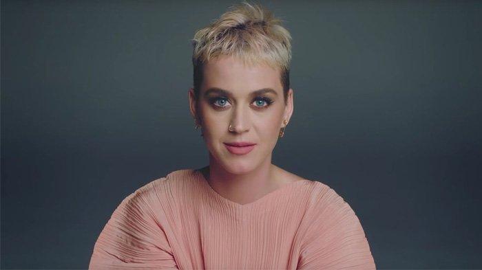 Penampilan Katy Perry Sekarang Bikin Pangling, Efek Kebanyakan Liburan?