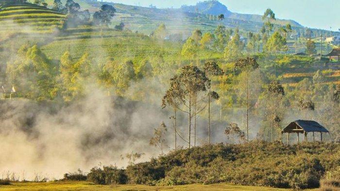 Ilustrasi kondisi Kawah Sileri di kompleks obyek wisata Dieng Plateau, Banjarnegara, Jawa Tengah.