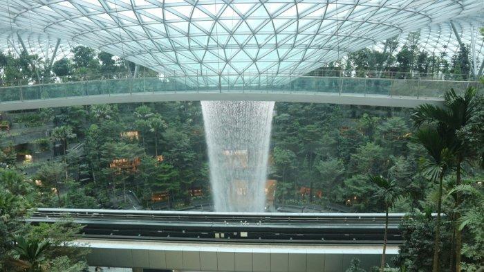 Jewel Changi Airport Punya Air Terjun Buatan Tertinggi di Dunia, Apa Saja Keunikannya?