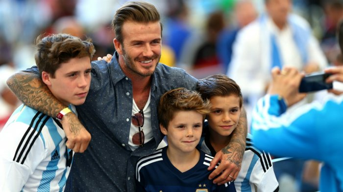 Di Sumba, Keluarga David Beckham Ajari Anak-anak Sumba Bahasa Inggris