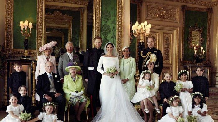 Benda Unik yang Selalu Dibawa Ratu Elizabeth dan Anggota Kerajaan Inggris Saat Traveling