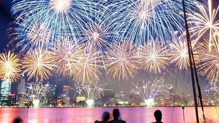Perayaan Hari Australia dengan pertunjukkan kembang api