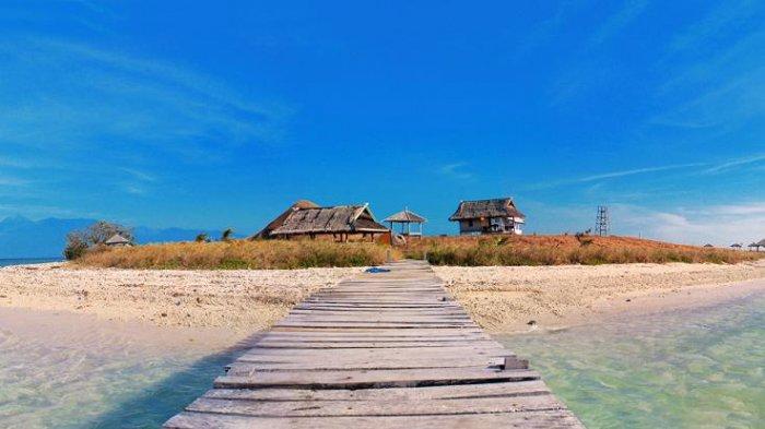 Wisata NTB - 6 Destinasi Wajib Kunjung di Pulau Sumbawa, Pulau Paserang hingga Desa Wisata Poto