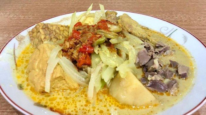 Viral di TikTok, Ketupat Sayur Sultan Harganya Rp 98.000 per Porsi