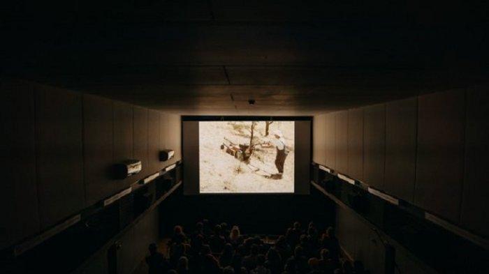 Unik Nih, Ada Bioskop Baru di Dalam Kapal