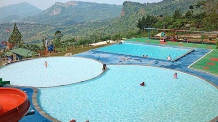 Fasilitas kolam renang di Nirvana Valley Resort Bogor.
