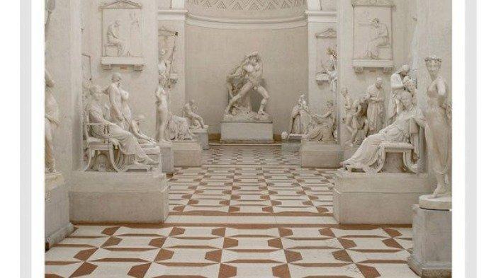 Jari Patung Bersejarah di Museum Italia Dipatahkan Turis saat Berfoto