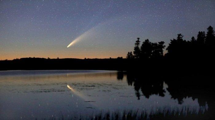 Ilustrasi - Studi baru mengklaim bahwa dinosaurus mungkin punah bukan karena asteroid, melainkan potongan komet besar.