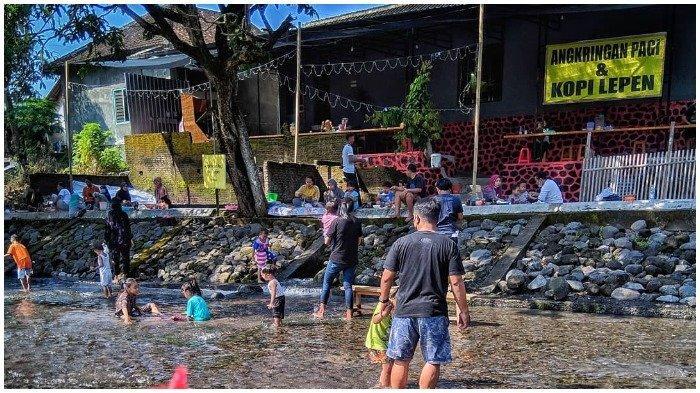 TRAVEL UPDATE: Uniknya Angkringan di Boyolali, Bisa Kulineran Sambil Main Air