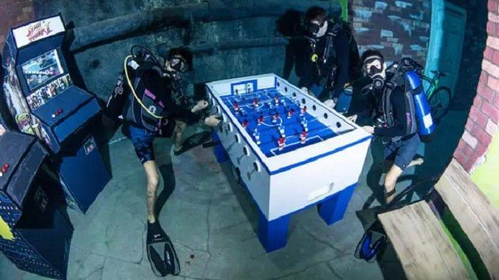 Kota bawah air Deep Dive Dubai
