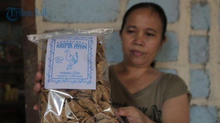 TRAVEL UPDATE: Kisah Penjual Keripik Ayam Bumbu Khas Bali, Sudah Ada Sejak 1997
