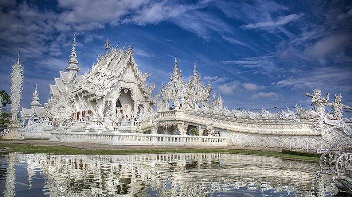 Ilustrasi Kuil Wat Rong Kung, Thailand