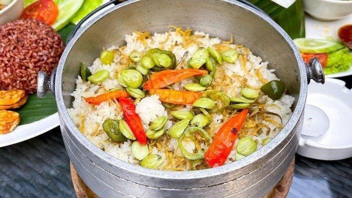 Kuliner nasi liwet di Lalawuh Sunda