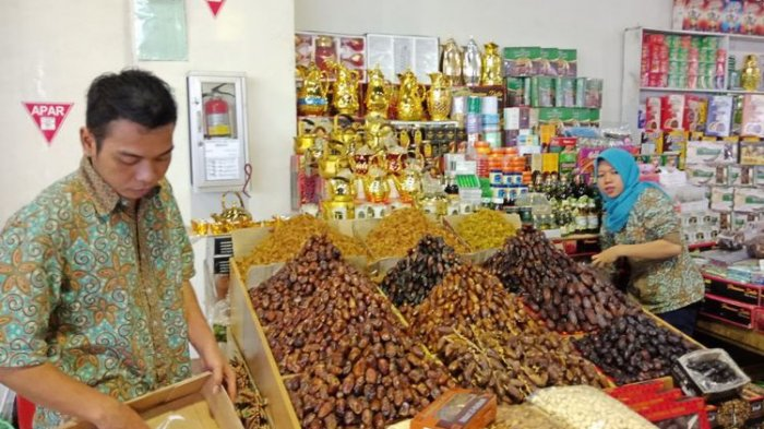 Oleh-oleh Haji Paling Favorit di Pasar Tanah Abang, Apa Saja Ya?