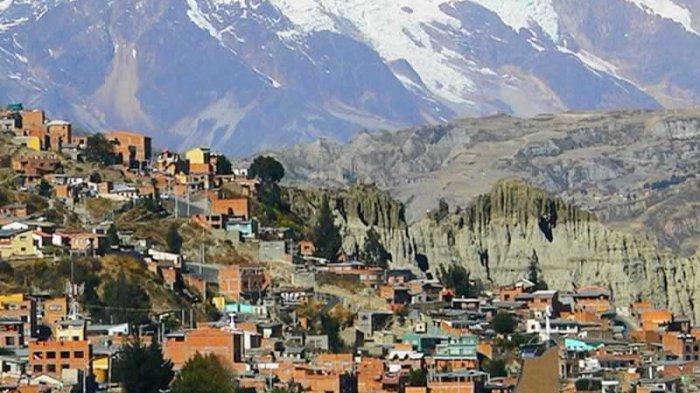 La Paz, ibu kota Bolivia terletak di ketinggian lebih dari 3.000 mdpl.