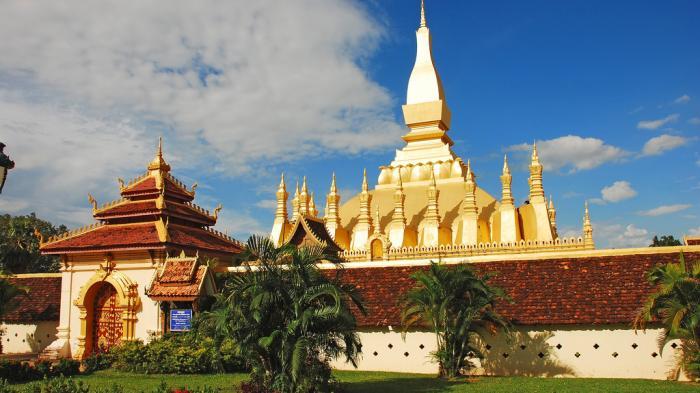5 Hal yang Tak Boleh Dilakukan di Laos, Jangan Pernah Menyentuh Seseorang dengan Kaki