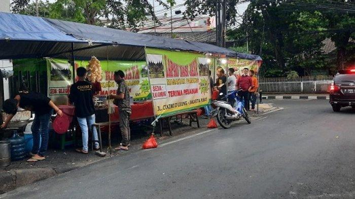 Rahasia di Balik Larisnya Lapau Nasi Jaya Cikini, Sehari Dapat Omzet Rp 6 Juta