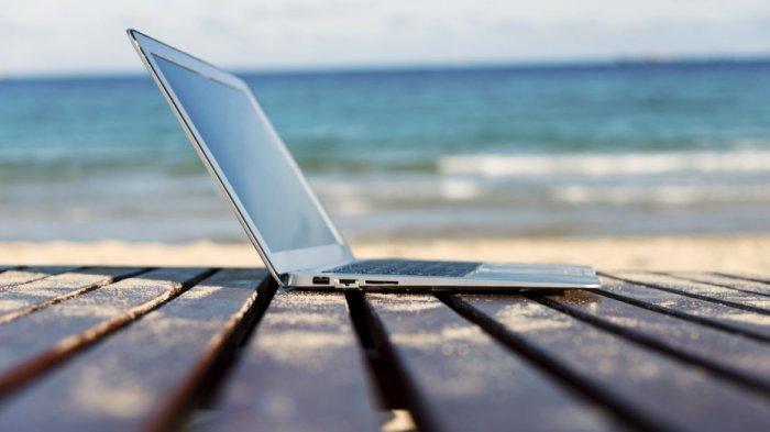 Laptop Slim Murah - Fleksibel Abis! Inilah Deretan Travel Notebook yang Punya Bentuk Super Elegan