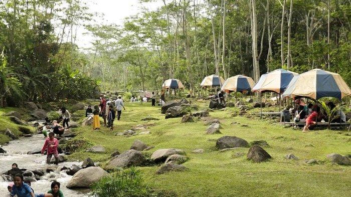 Harga Tiket Masuk Ledok Sambi Jogja Terbaru 2021, Tempat Makan Berkonsep Piknik di Pinggir Sungai