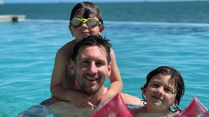 Potret Lionel Messi saat liburan bersama keluarga di Miami.