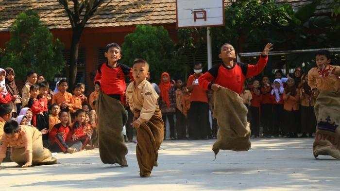 Sering Digelar Saat Hari Kemerdekaan Indonesia, Ini Asal Usul Lomba Balap Karung