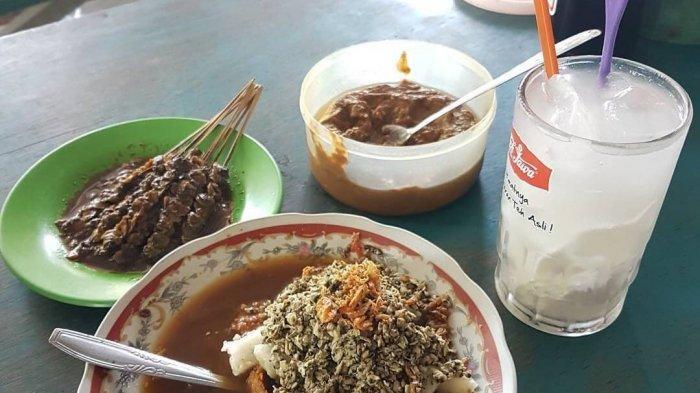 Ilustrasi kuliner Lontong Kupang di Warung Lontong Balap dan Kupang Pak H. Woko