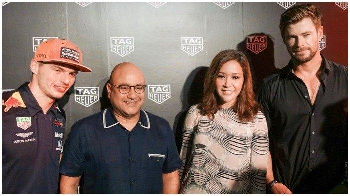 Liburan Artis - Maia Estianty Nonton Formula 1 Grand Prix Singapura, Sempat Bertemu Chris Hemsworth