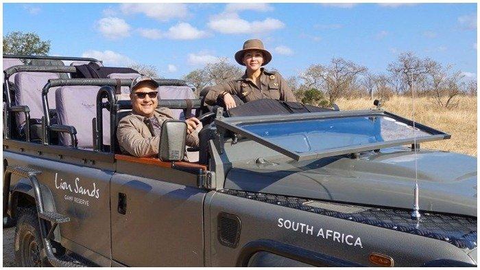 Liburan Artis - Pulang Umrah, Maia Estianty dan Irwan Mussry Langsung Traveling ke Afrika Selatan