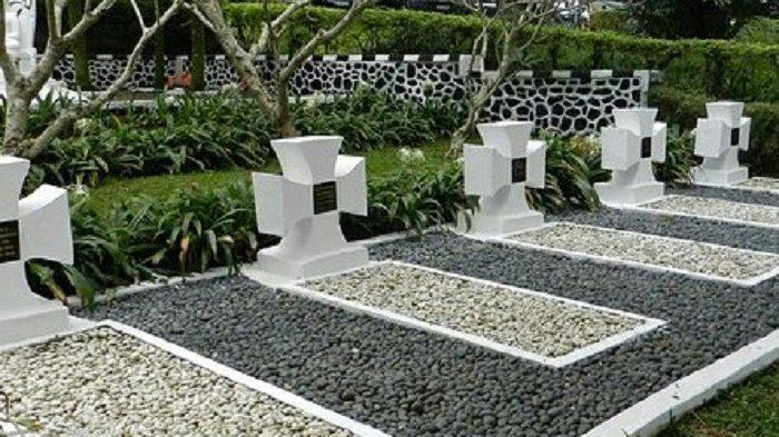 TRAVEL UPDATE: Jelajahi Makam Tentara Nazi di Bogor, Letaknya Berada di Kaki Gunung Pangrango