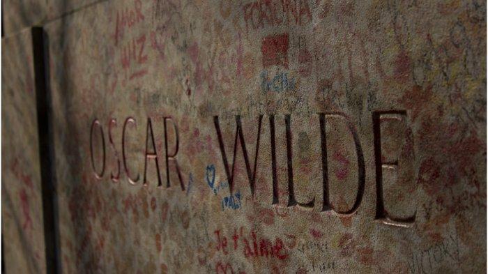 Sejarah Oscar Wilde Tomb, Makam Berlapis Ribuan Bekas Lipstik di Paris