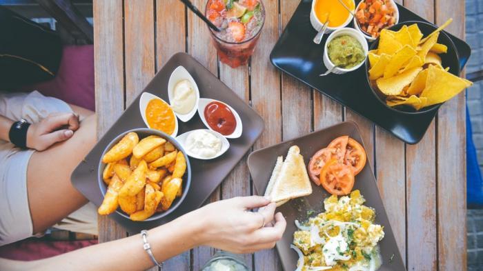Cara Pakai Eat Vouchers dan Treats, 2 Produk Traveloka Eats yang Bikin Pengguna Makan Hemat