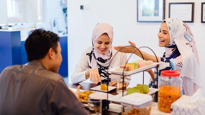 5 Tips Makan Sehat Selama Bulan Ramadan, Makan Gorengan Tidak Disarankan