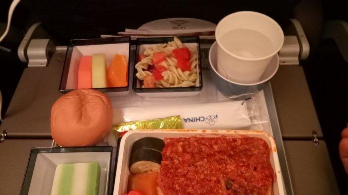 Pasta, satu pilihan makanan di China Airline, Rabu (20/09/2017)