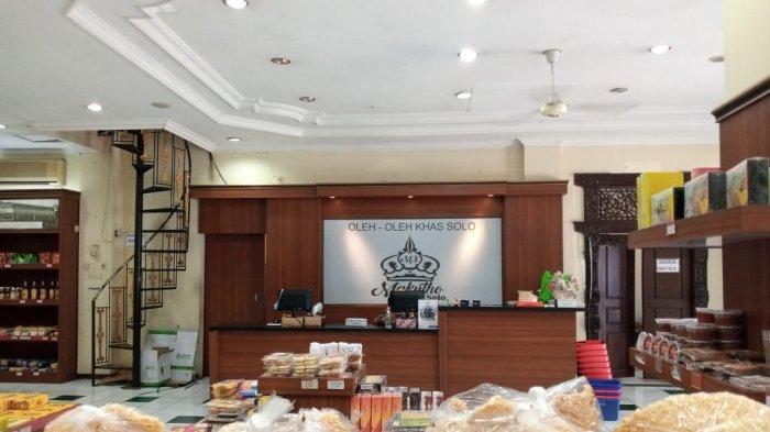 Makutho Solo, Pusat oleh-oleh khas Solo yang berlokasi di kawasan Kampung Batik Laweyan, Senin (11/10/2021).