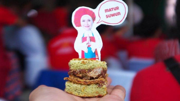 Bingung Cari Oleh-oleh Khas? Coba 7 Kue Nyentrik Buatan Selebrita Indonesia Ini