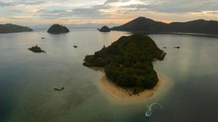 5 Tempat Wisata Alam di Sumatera Barat, Ada Pulau Setan yang Dihiasi Perbukitan Asri