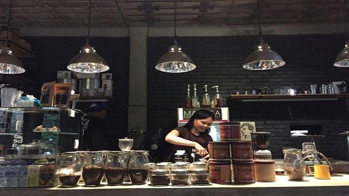 Rekomendasi 5 Tempat Ngopi Asik di Bogor, Ada yang Sediakan Mini Library dan Beragam Bacaan Menarik
