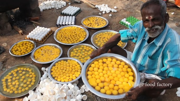 Bukan untuk Perayaan atau Pernikahan, Ini Alasan Seorang Pria Memasak 1.000 Telur