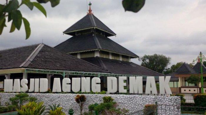 Masjid Agung Demak.