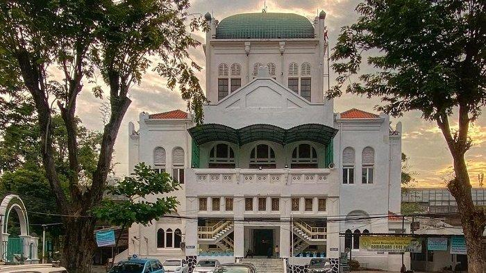 Menilik Sejarah Masjid Cut Meutia, Masjid Tanpa Kubah yang Dibangun pada Era Belanda