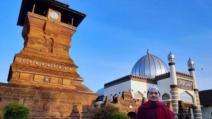Wisata Religi di Kudus, Kunjungi Masjid Menara Kudus dengan Gebang Ikonik Berbentuk Candi