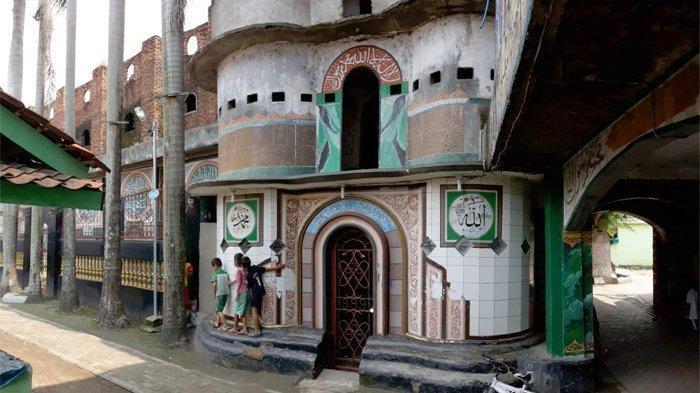 Masjid Pintu Seribu, Tempat Wisata Religi di Sekitar Kota Kelahiran Ma'ruf Amin