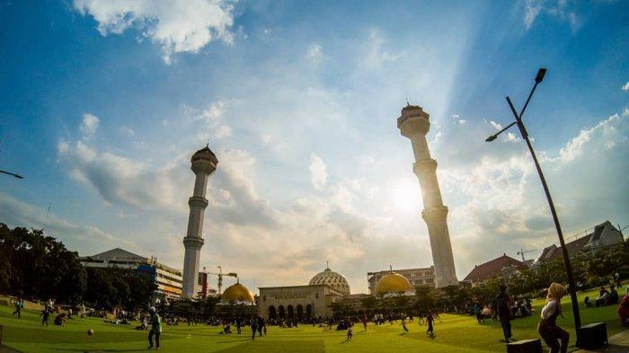 Masjid Raya Bandung, Destinasi Religi yang Ikonik di Kota Kembang